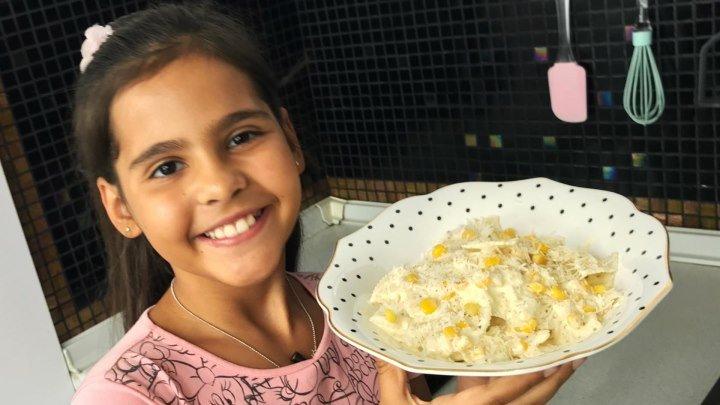 Макароны (паста) с курицей в сливочном соусе