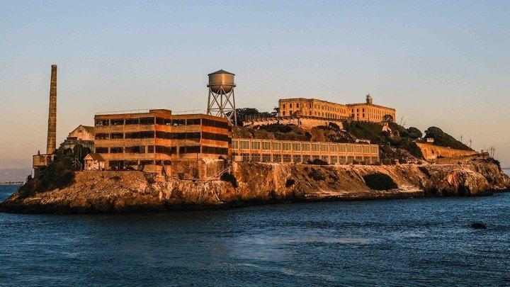 Знаменитая тюрьма Алькатрас. Невозможный побегⓂ