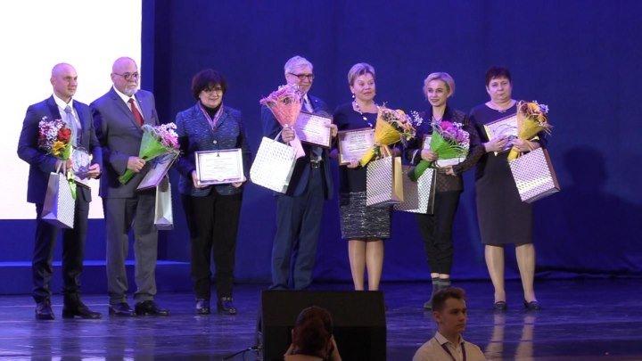 «Будем жить»: в Кремле вручили премию борцам с онкологией. ФАН-ТВ