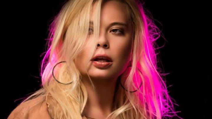 Lora Superfin - I'm Alive