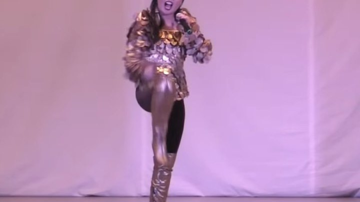 """""""Чингисхан"""" на русском языке! Девушка просто красотка, отлично спела!!!"""