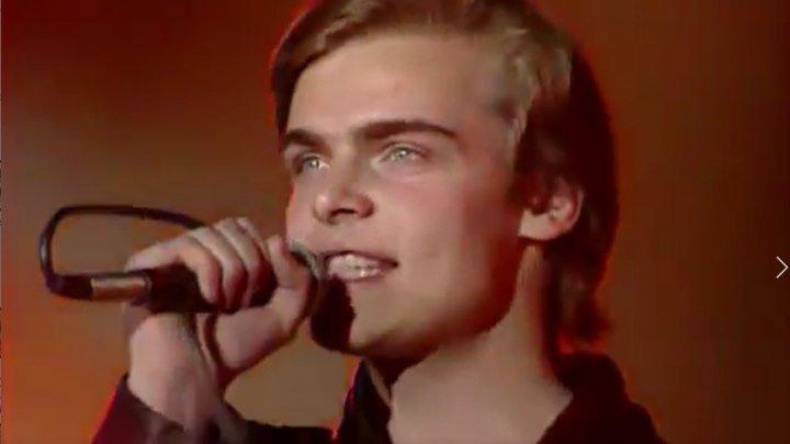Константин Пахомов - Что ж ты, лето!1989 год! Какая невероятная красота и чистый голос!