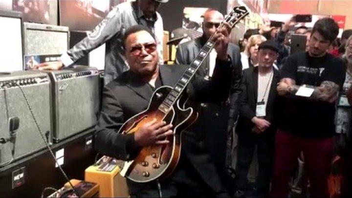 George Benson @ Fender Booth NAMM 2016 (Smooth Jazz Family)