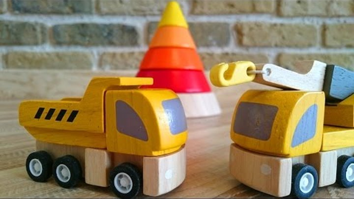 Развивающее видео мультфильмы для малышей. Игрушечные машинки строят пирамидку