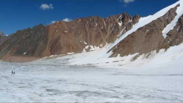 горы Тянь-Шань, верховье ледника Туюк-Су
