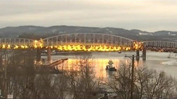 В США взорван стальной мост, возраст которого превышает сто лет