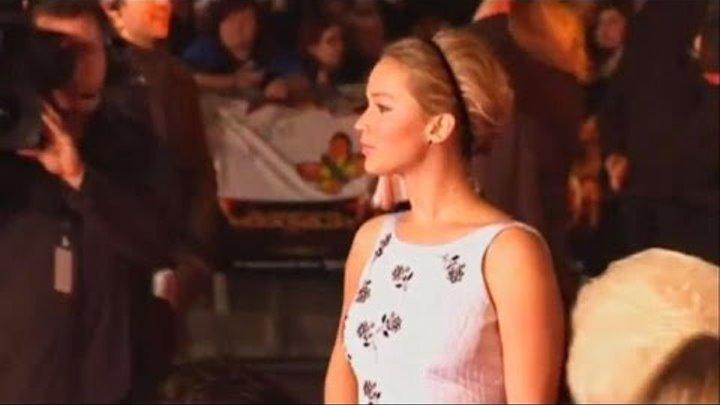 Звезды фильма «Голодные игры: Сойка-пересмешница. Часть 1» на премьере в Лондоне (видео)