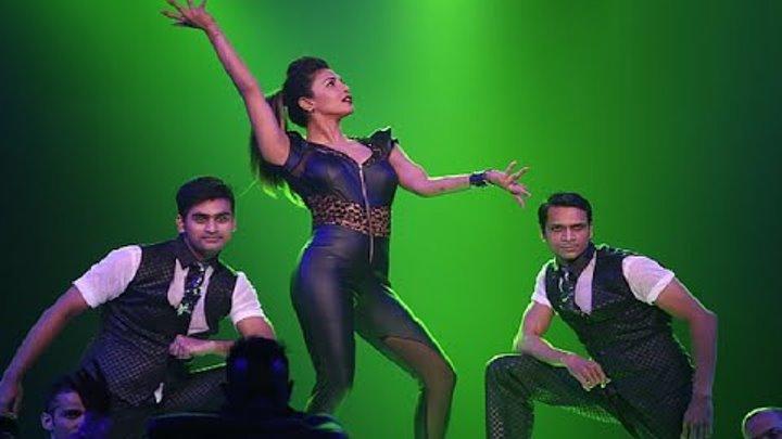 Priyanka Chopra Hot Performance At Star Guild Awards 2015