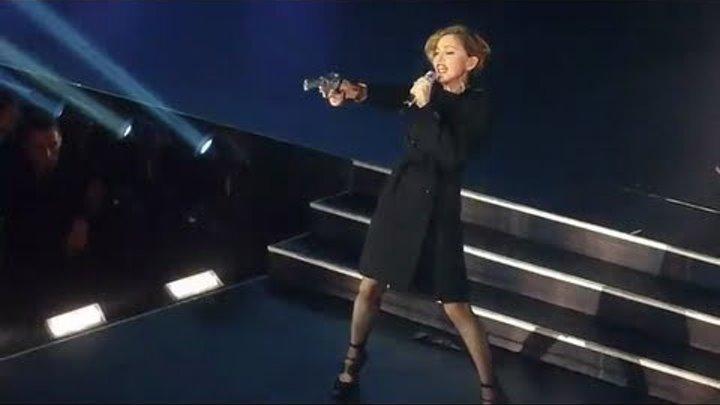Madonna - Beautiful Killer - Je T'aime (Moi Non Plus) - MDNA à l'Olympia