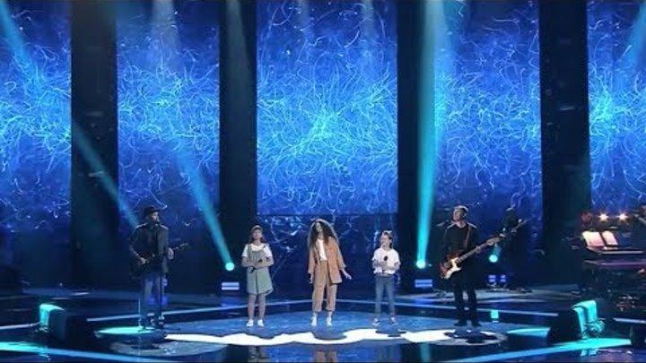 Uma2rman песня Простится в исполнении Елизавета Лабодина, София Фёдорова, Эльвира Апшева.