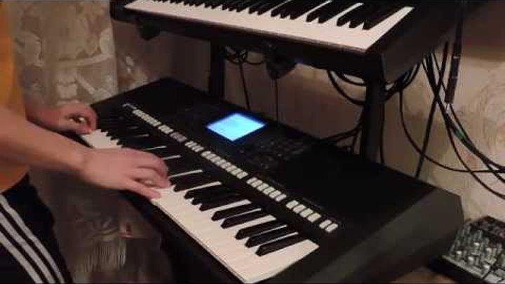 """""""Звёздный мальчик"""" на синтезаторе!"""