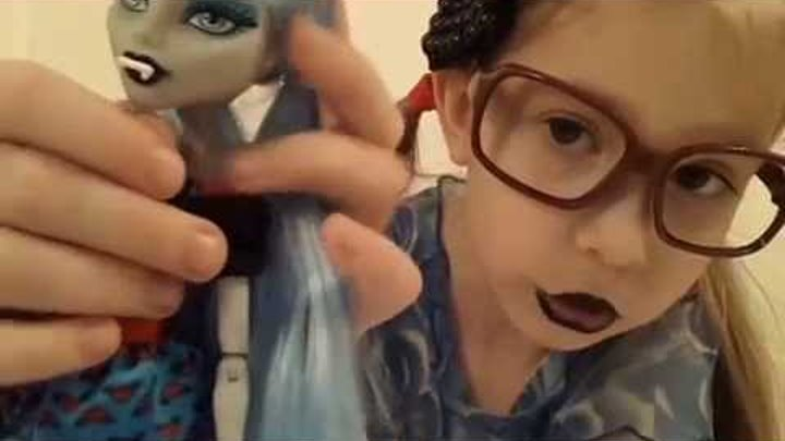 "Обзор на Гулию Йелпс куклу Монстер Хай (Monster High) из серии ""Монстрические мутации""."