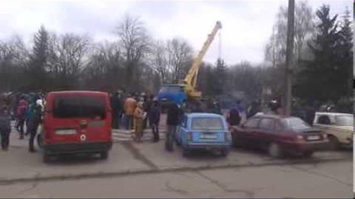 Хорол, демонтаж пам'ятника В.І.Леніна