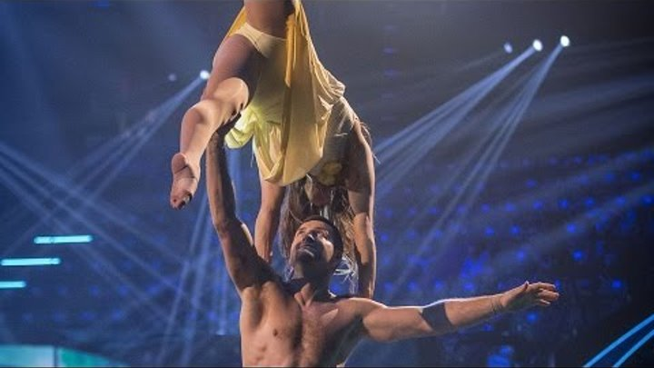 Carl Froch and Sita Bhuller's performance to 'Up Where We Belong' - Tumble: Semi-Final - BBC One