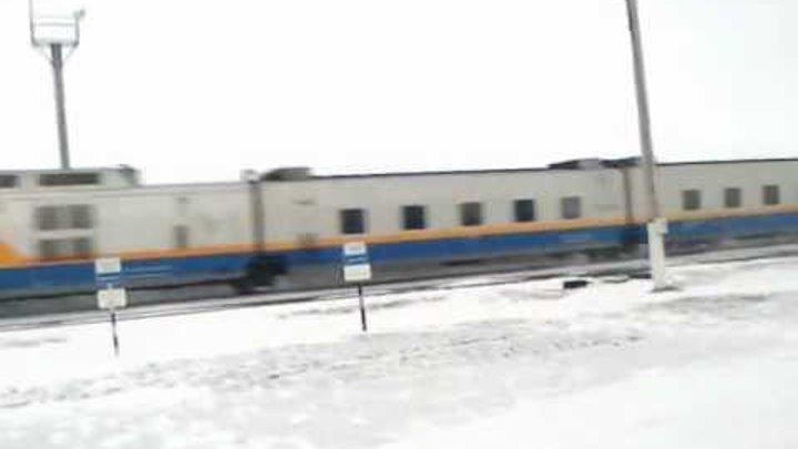 Скорый поезд Talgo (Астана - Актобе) проходит ст.Сарысай