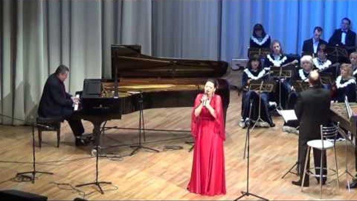 Юлия Маргоева (гор.Химки) поет русские романсы.