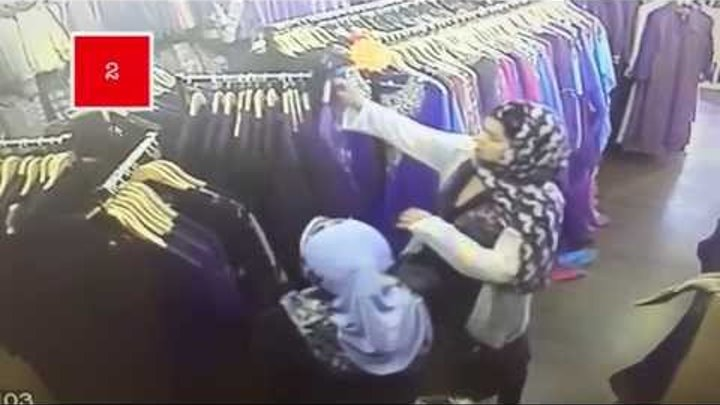 Caught on Camera:: Dress like Muslim Women and go on a stealing spree in Leicester!