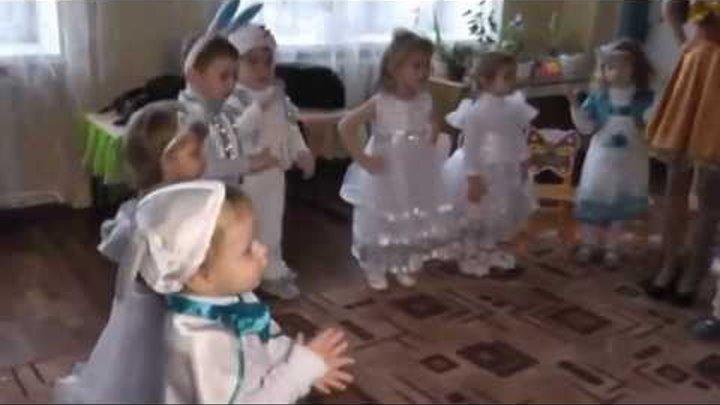 """Дитячий садочок """"Веселка"""" новорічний ранок Золотоноша 2014 ч3"""