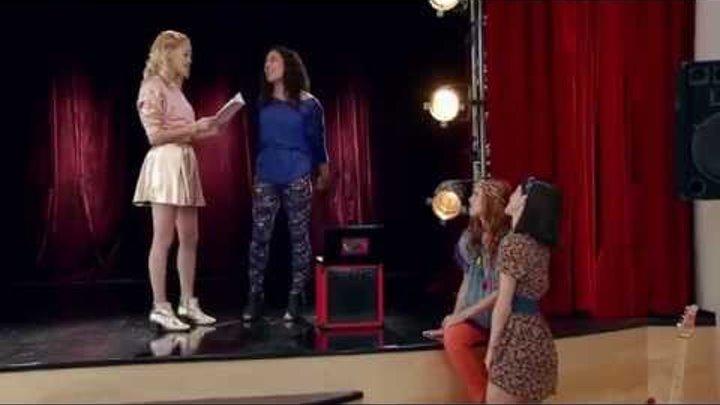 """Виолетта 3 - Фран, Людми, Ками и Нати поют """"Encender nuestra luz"""" - серия 18"""