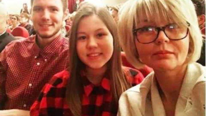 Юлия Меньшова показала взрослых детей, совсем на неё не похожих фото