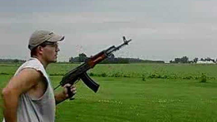 Стрельба очередью из гражданского оружия )))