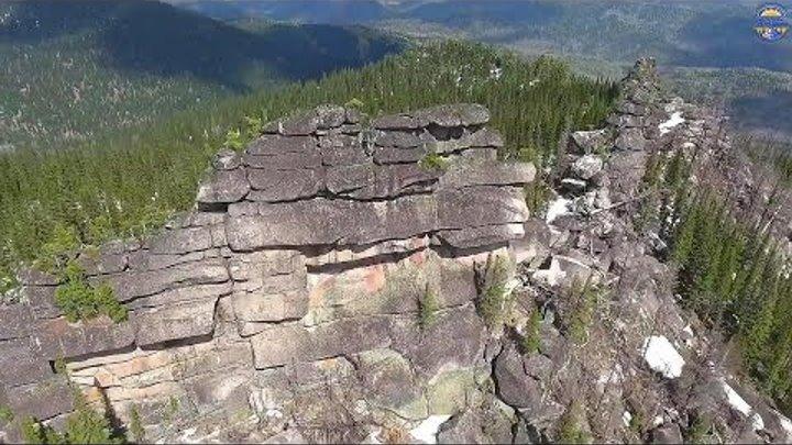 Древние мегалиты Алтая - высотная съёмка. 4к видео