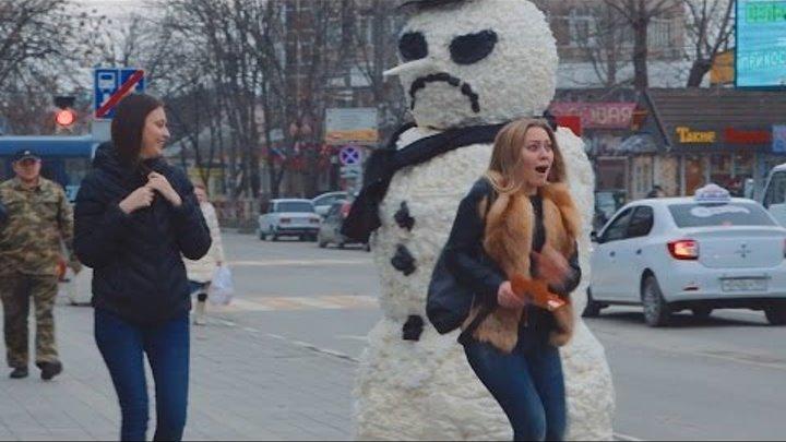 Страшный Снеговик Пранк   Scary Snowman Prank