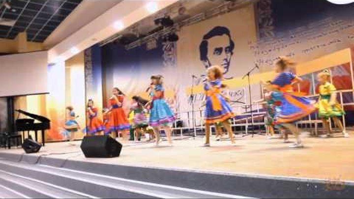 """Детский образцовый театр песни и танца """"Зернышко"""""""