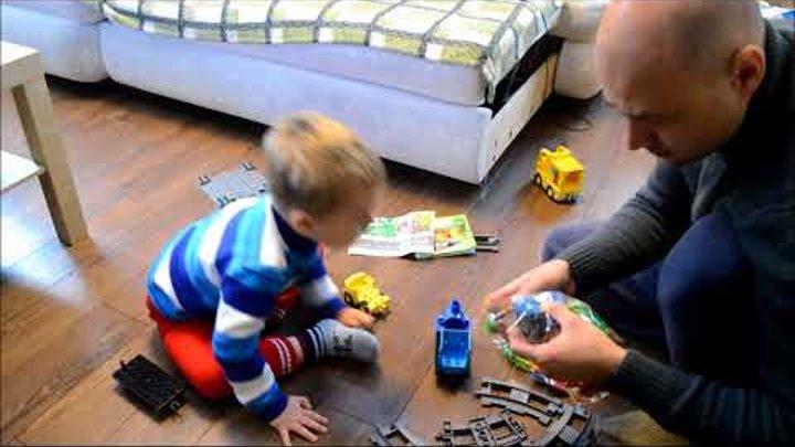 Распаковка подарков на день рождения | Машинки ТЕХНОПАРК, Лего Дупло (Lego Duplo) Железная дорога