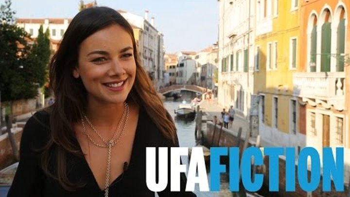 Mit JANINA UHSE in Venedig (Interview zu DONNA LEON, 2017) // UFA FICTION