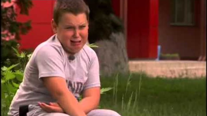 "Плачущий мальчик из ""Кохана , ми вбиваємо дітей""."