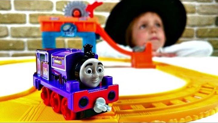ТОМАС. Строим железную дорогу. Мультик про паровозики: Томас и его друзья. Видео для детей