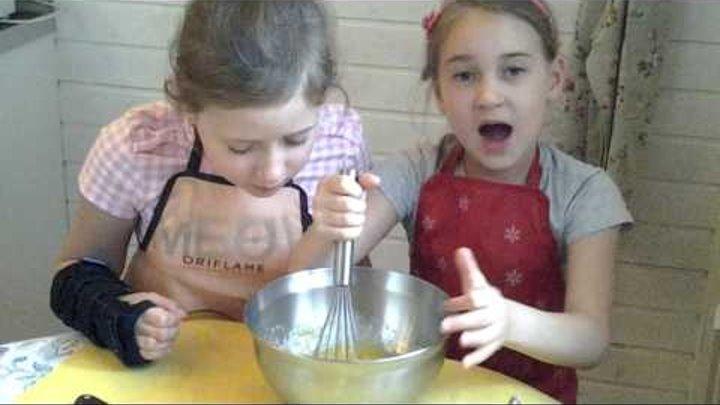 Советы и секреты от Аленушки, опытного 7-ми летнего кондитера ! Крутые и вкусные шоколадные кексы.