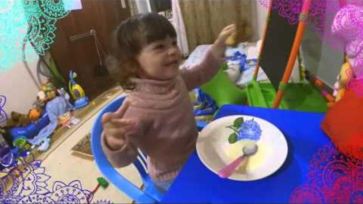 VLOG кушаем блины вместе с СВИНКА ПЕППА we eat pancakes Peppa Pig toys