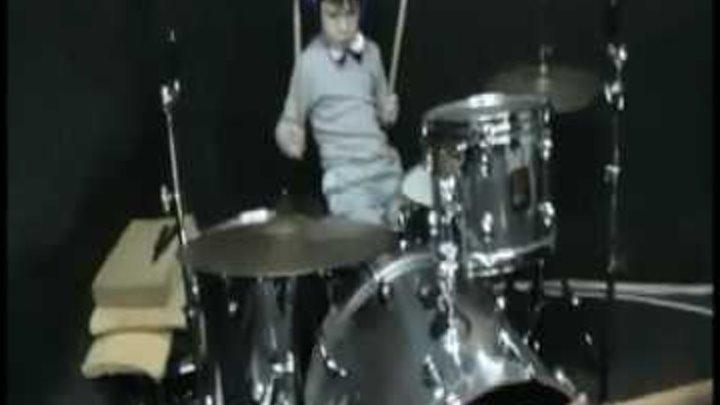 Школа рока, Березники. Занятие на ударных. Егор Леонтьев 6 лет.