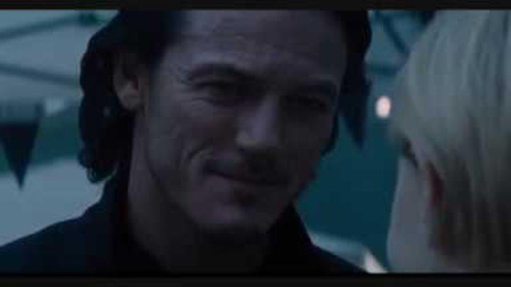 """Влад встречает реинкарнацию Мирены, момент из фильма """"Дракула""""/Dracula Untold"""