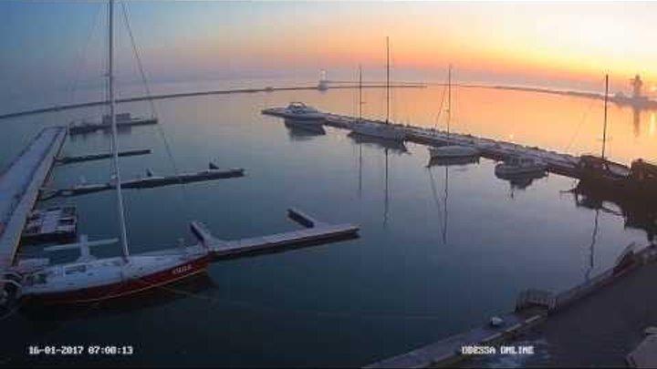 Морозное утро. Odessa ONLINE. Яхтклуб. Воронцовский маяк.
