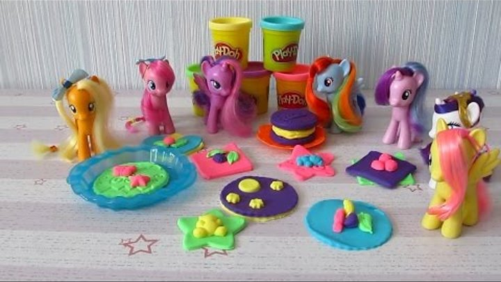 Май Литл Пони Пижамная вечеринка Пинки Пай Печет печенье для подруг