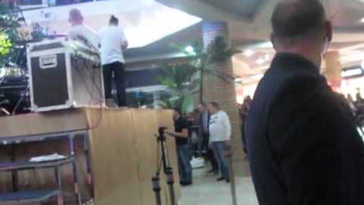 МакSим перед выходом на сцену Тц Фантастика