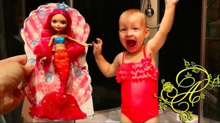 БАРБИ русалка, распаковка куклы, сюрпризов Лител Пони и Королевские Питомцы. Barbie Mermaid doll