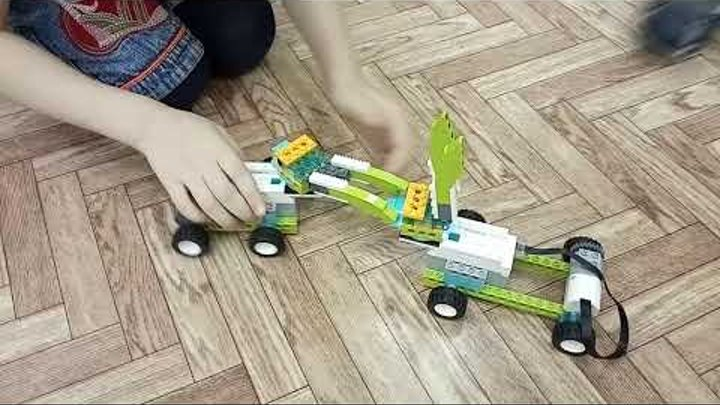 Детский центр робототехники Умник - битва осликов