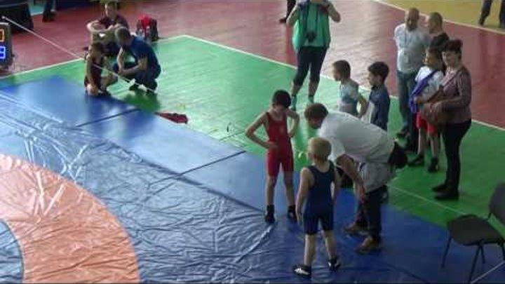 Органищук Никита (красное трико) VS Точ Саня (синее трико) - схватка за 1-е место