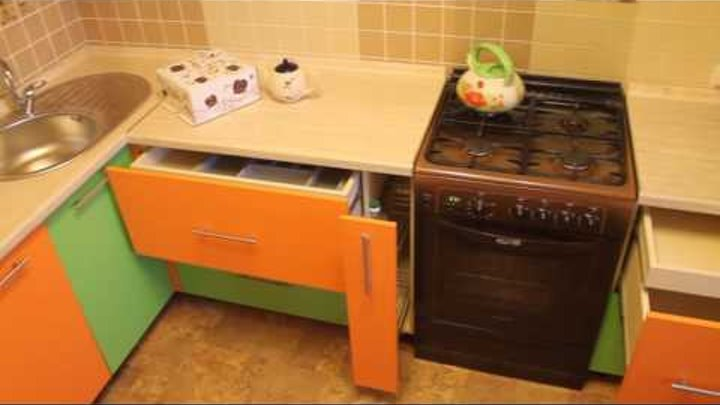 Кухня зелено-оранжевая Дизайн-мебель 58