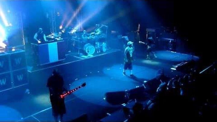 02 - Show me what you got - Limp Bizkit - Live - Paris, Olympia - 08-09-2010.MTS
