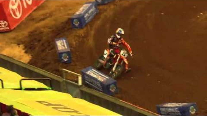 Supercross LIVE! 2012 - 2 Minutes on the Track in Atlanta - Supercross First Practice