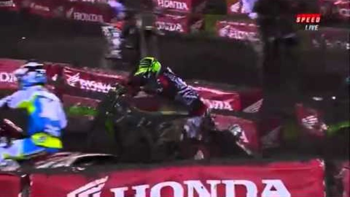Ryan Villopoto crashes twice first lap of main event (FUNNY crash)
