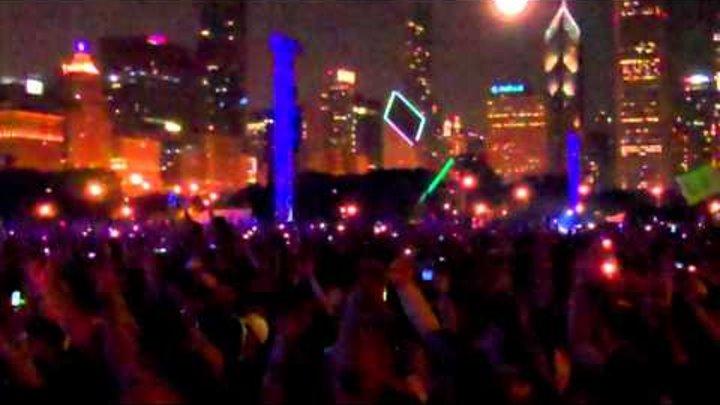 eminem bruno mars live lollapalooza lighters .mp4