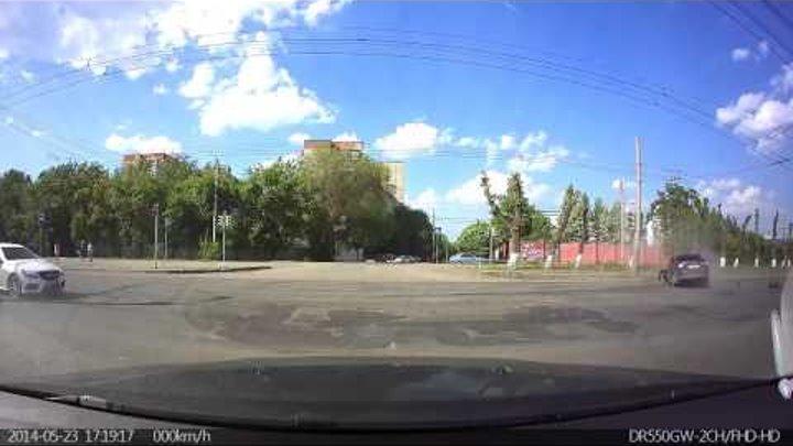 Авария в Челябинске 23 05 2014 на перекрестке Марченко