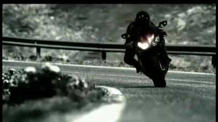 CBR 1000 RR Fireblade a lâmina de fogo da Honda - TV UOL.flv
