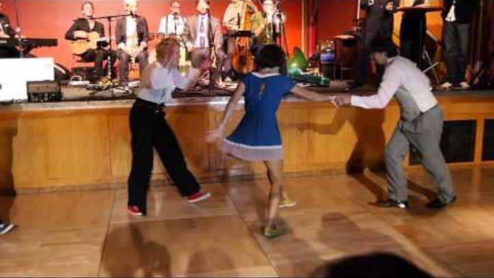 ULHS 2012 - Lindy Hop Showdown Semi-Finals - Emelie & Rebecka VS Chance & Lisa